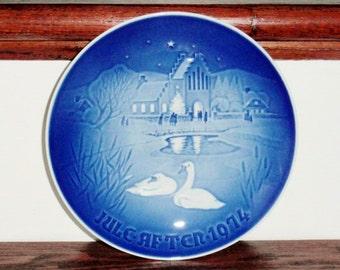 1974 BING GRONDAHL assiette porcelaine Bg Noël dans le Village collection Ltd Edition 7» Danemark 1974 bleu blanc signé Excellent État