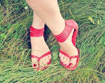MOLLE. Red leather sandals / womens barefoot sandals / flat sandals / barefoot sandals. Size US 4-13. Available in different leather colors.