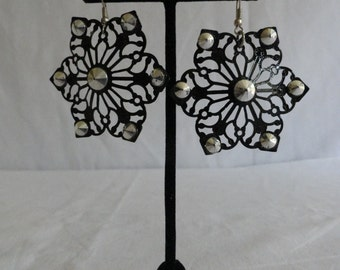 Vintage Black Gothic Snowflake Earrings With Silver Stud Accents