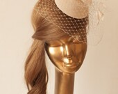 Bridal Champagne-Nude FASCINATOR with BIRDCAGE VEIL and Flowers. Wedding Mini Hat with Veil