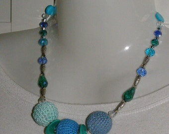 cotton necklace in the colours of the sea