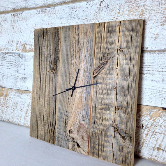Rustic barn wood wall clock large wood clock by for Decoration murale industrielle