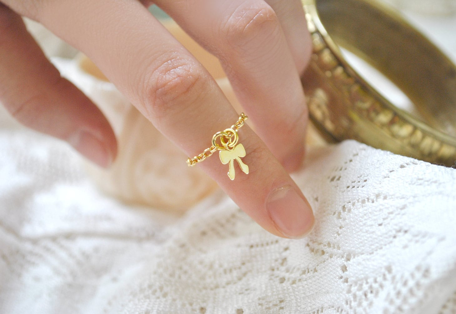 middle finger ring vermail chain and gold by