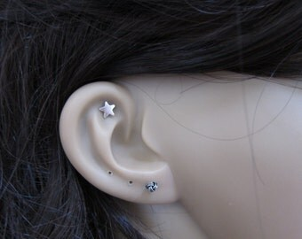Sterling Silver Star Cartilage Earring, Star stud earring, tiny cartilage earring , Tragus Earring, Tiny stud Earring, Multiple piercing