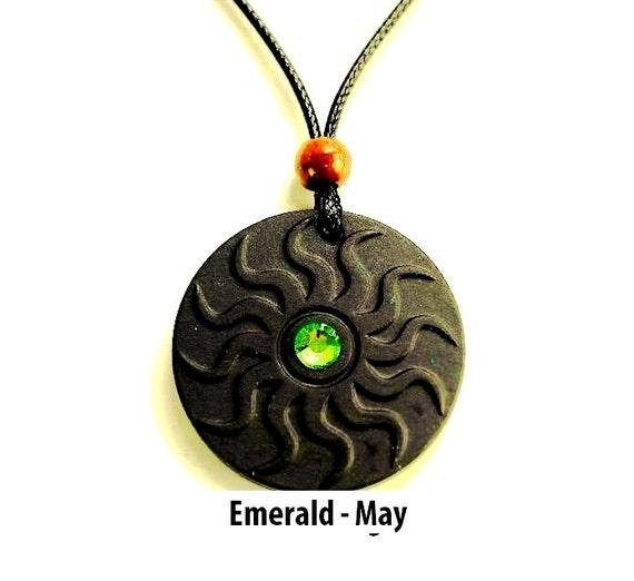 qp11 dalimara sun quantum pendant with emerald may swarovs