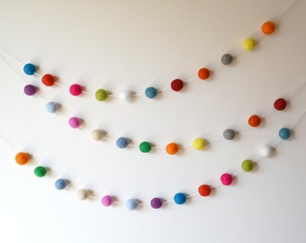 Gender Neutral Nursery Decoration, 150cm | 300cm | 450cm Felt Ball Garland, Party Decor, Kids Room Bunting, PomPom Garland, Baby Shower Gift
