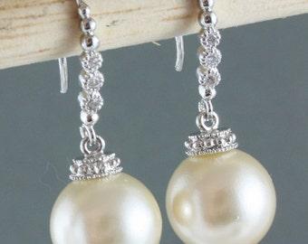 Pearl wedding earrings,Vintage Ivory Creamrose Pearl Earring,Swarovski cream ivory pearl silver drop earring,Big pearl earring,Something old
