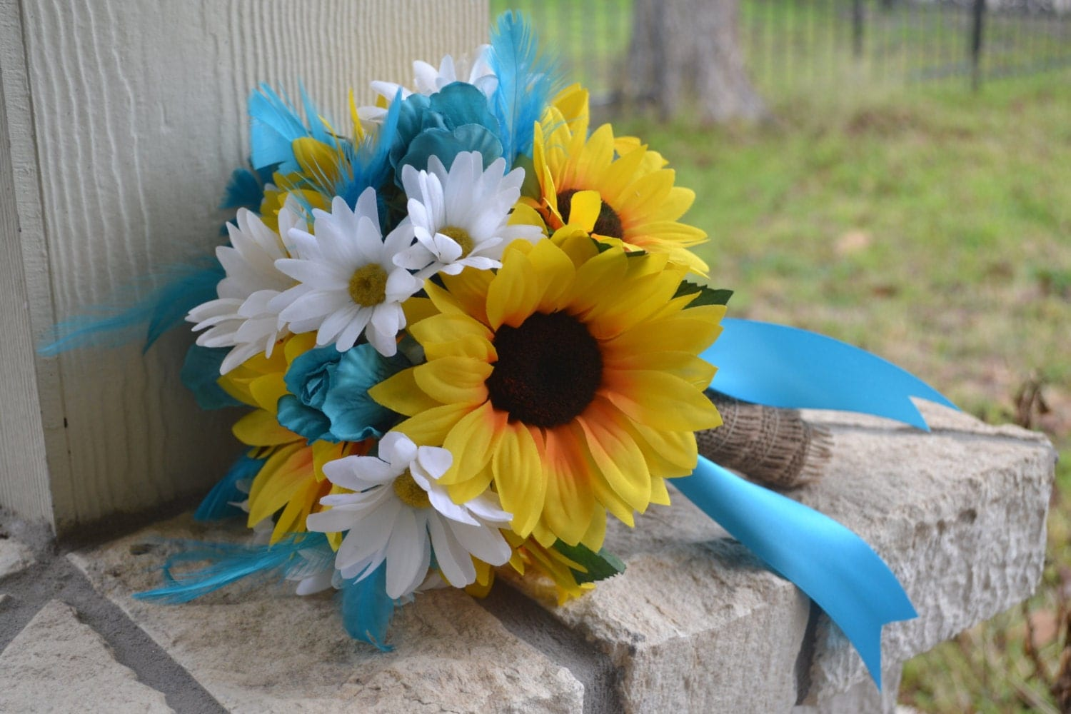Displaying 18 gt images for sunflower and blue bouquet