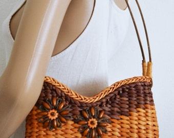 Woven Straw Purse,bag, wicker purse,Wooden Beads, Sun N Sand ,summer purse