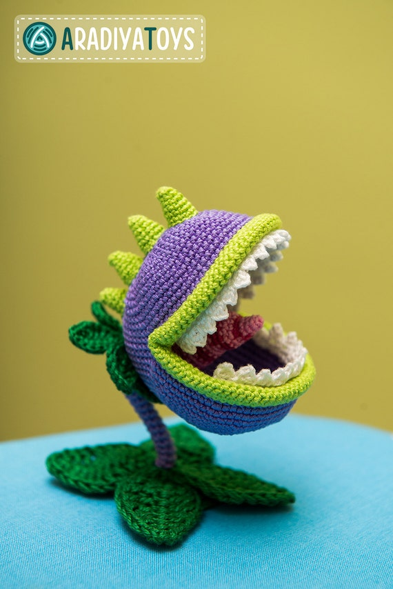 Amigurumi Zombie Pattern : Crochet Pattern of Chomper from Plants vs Zombies by Aradiya
