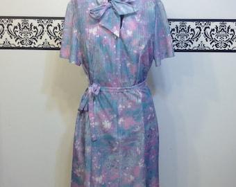 1960's Lavender Print Spring Hipster Sack Dress, Size 14 / 16 Large / XL, Vintage Rockabilly  Floral Day Dress, Wedding Reception