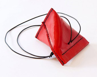 QT twist, a cute coin purse with a twist