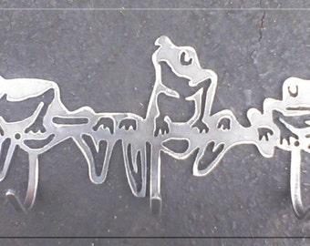 Tree Frogs with Hooks Metal Art