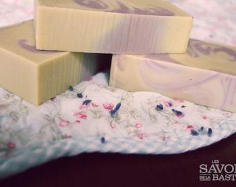 SOAP Lavender patchouli, coco and biological karités butters!
