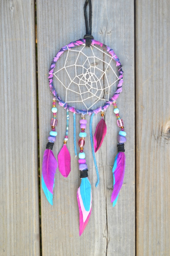 Handmade dreamcatcher 39 the gypsy 39 purple and blue for Ideas for making dream catchers