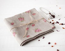 Linen towels set with roses - Linen tea towels set of 2 - Cottage Chic towels - Kitchen towels - softened linen towels - Flax towels
