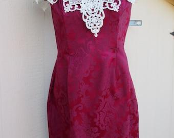 80's Ladies 'Gunnesax' Maroon Brocade Fabric, Sleeveless Dress with Decorative Lace Collar