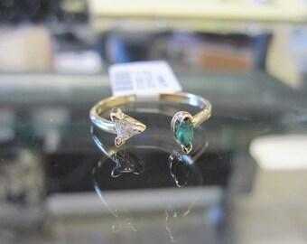 14K Gold Emerald & Diamond Open Ring 6J8000