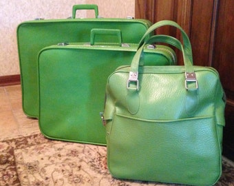 SALE! Vintage Sears Featherlite green luggage - set of three