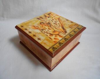 Personalized box,Wooden box/ decoupage box, wooden box with giraffe, african box,memory box,accessories box,jewelry box,storage bins,african