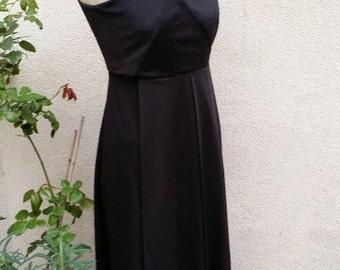 Long evening dress, Wrap-over top, sleeveless.
