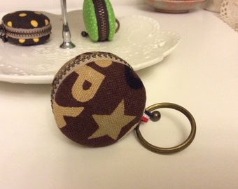Macaroon keychain / Macaron keychain/ Macaron coin purse / Macaroon coin purse (chocolate with letters)
