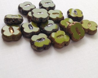 Glass Clover beads - Czech glass flower beads - avocado green pack of 6 (FL17)