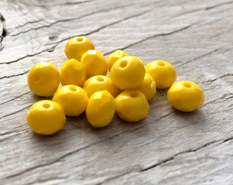 Yellow glass beads - czech glass rondelle donuts 6x4mm pack of 12 (R11)