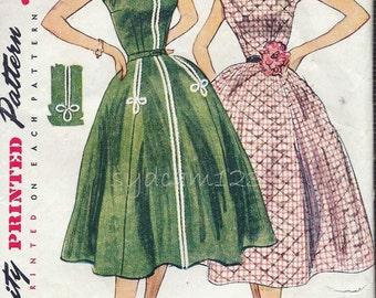 Vintage 1950s Boat Neck Full Dress Pattern Cap Sleeves Concealed Front Pockets Rockabilly Simplicity 3877 Bust 34