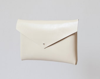 Ivory Envelope Bag No. Leb-101