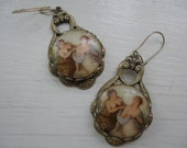 Victorian Sister Cameo Earring