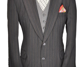 Paul Stuart Designer 46 Short Charcoal Gray Wool Blazer with Wide Tan Pinstripes