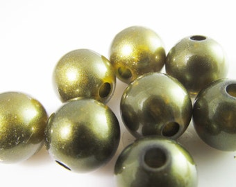 20 Vintage Lucite 10mm Dark Olive Green Beads Bd457