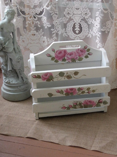 shabby chic pink magazine rack shabby chic french cottage. Black Bedroom Furniture Sets. Home Design Ideas