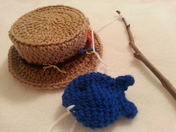 Crochet fishing hat with fish newborn or 0 3 mo by for Baby fishing hat