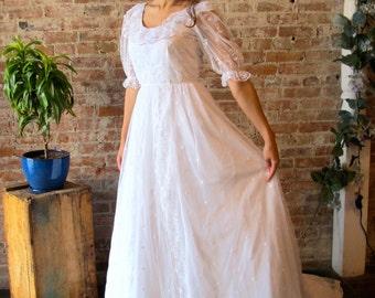 1960s Vintage Wedding Dress - Boho - Lace - Mori Girl - 60s Wedding Gown - White - Train - Bustle - Short Sleeve - Romantic