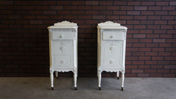 nightstand vintage nightstands shabby chic nightstands. Black Bedroom Furniture Sets. Home Design Ideas