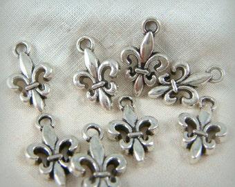 Fleur de Lis Charm - Tibetan Style Antique Silver Fleur de Lis (22784AS) - 16mmx10mm - Qty 20
