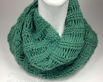 BIG SALE - Knit Scarf, Infinity Scarf, Sea Green Scarf, Winter Scarves, Chunky Knit Cowl, Circle Scarf, Neck Warmer, Cowl Scarf, Wrap Scarf