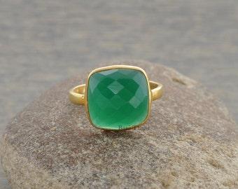 Green Onyx Ring - Bezel Ring - Gemstone Ring - Sterling Silver Ring - Birthstone Ring, 10mm Cushion Cut - #1108