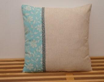 Housse de coussin, fleurs bleues / Pillow, cushion cover, blue flowers