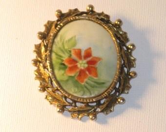 Vintage Hand Painted Porcelain Christmas Poinsettia Brooch Pendant (B-3-3)