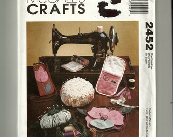 McCall's Travel Sewing Kit, Eyeglass Case, Armchair Caddy Pattern 2452