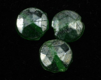 5mm Antique Round Green Glass Nailhead (20 Pcs) #1449