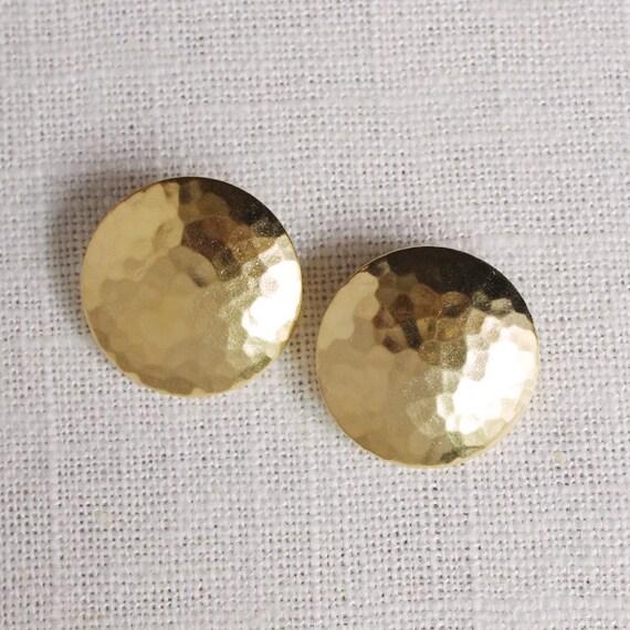 hammered disc earrings . hammered earrings . hammered disk earrings . hammered jewelry . round stud earrings . dome studs // 2PBBL