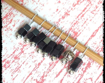 Snag Free Stitch Markers Extra Small Set of 8- Dark Gray Cubes - J34 - For up to size US 4 (3.5mm) Knitting Needles