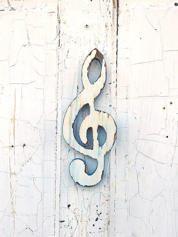 Crackled Paint  G Clef, Recycled Wood Musical Art, White Treble Clef Music Wall Art, Music Teacher Gift, Reclaimed Wood Art,