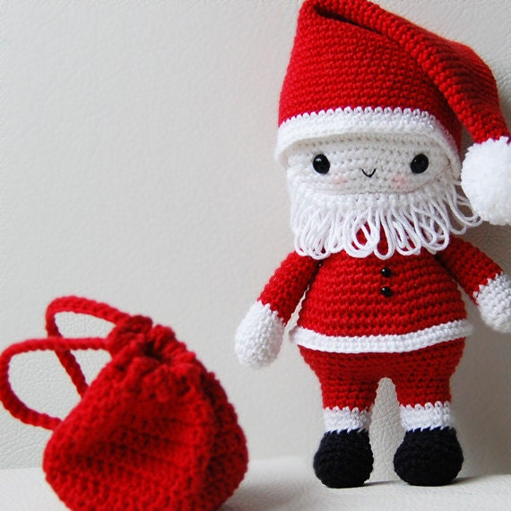 Amigurumi Santa Patterns : Amigurumi Pattern Santa Claus
