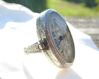 Art Deco Watch Ring, Gorgeous Intricate Engraving, Fine Maker Belais Bros, 18K White Gold, Elegant Timepiece, Runs, Circa 1920s