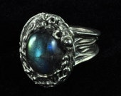 Classy Handcrafted Labradorite Ring in fine silver, size 7